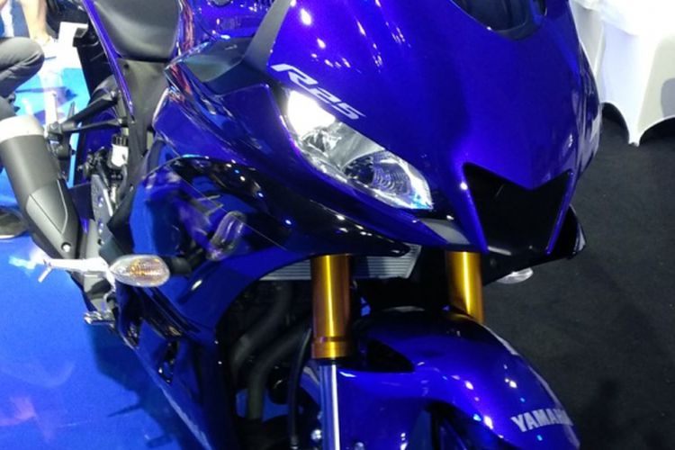 Lubang fairing pada Yamaha R25