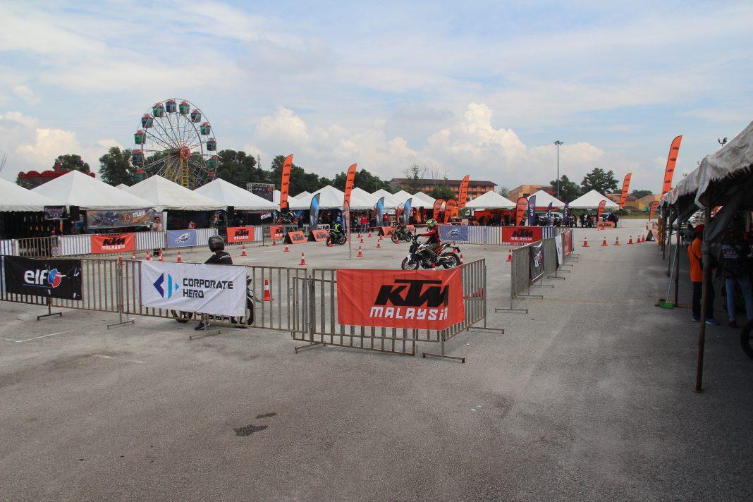 Karnival ORANGE KTM