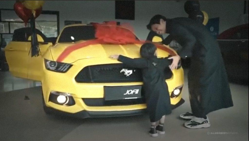 Hadiah Ford Mustang dari isteri