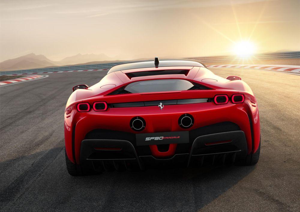 Ferrari SF90 Stradale - belakang