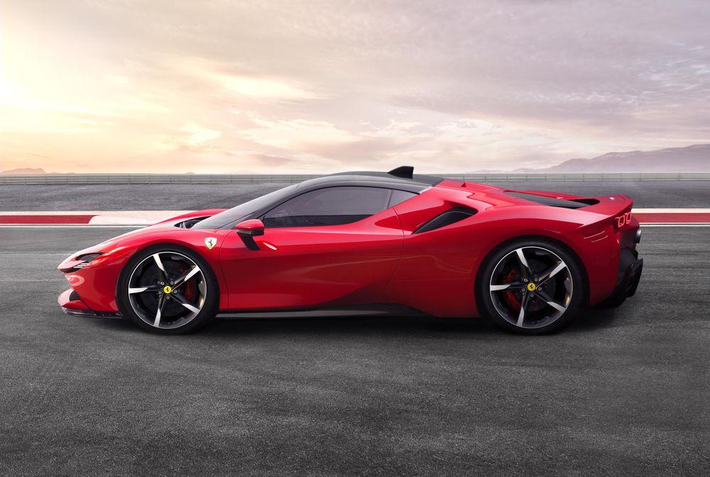 Ferrari SF90 Stradale - sisi