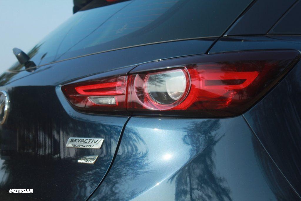 Mazda CX-3 - lampu belakang