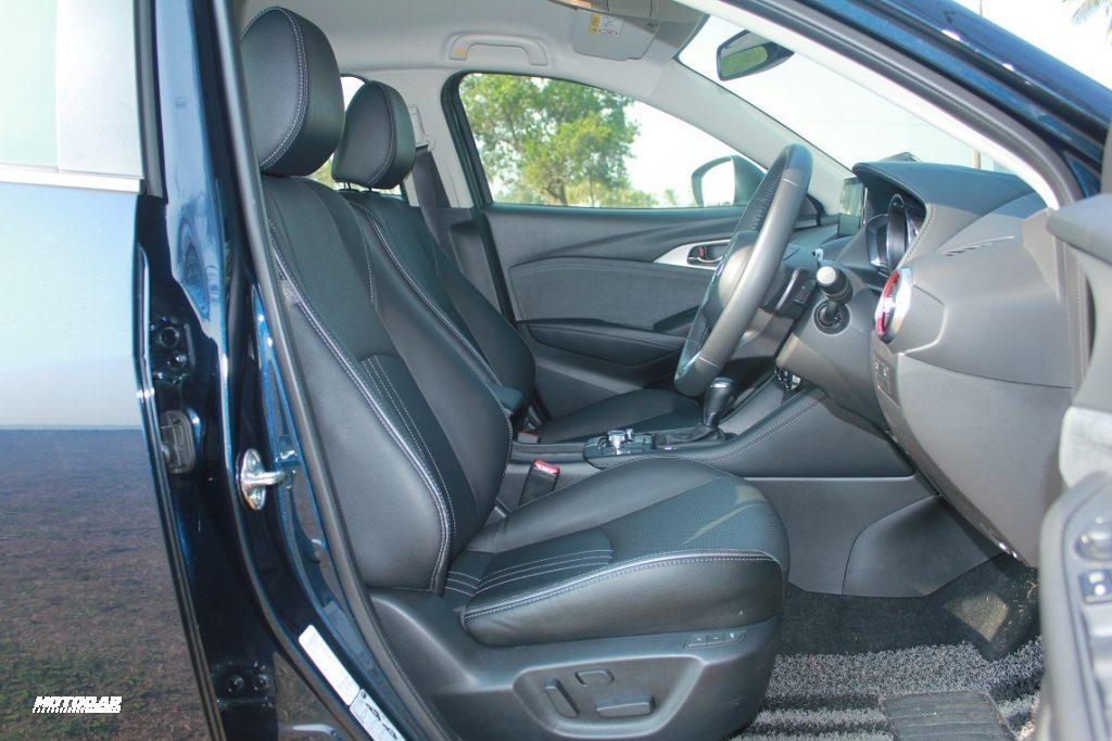 Mazda CX-3 - tempat duduk