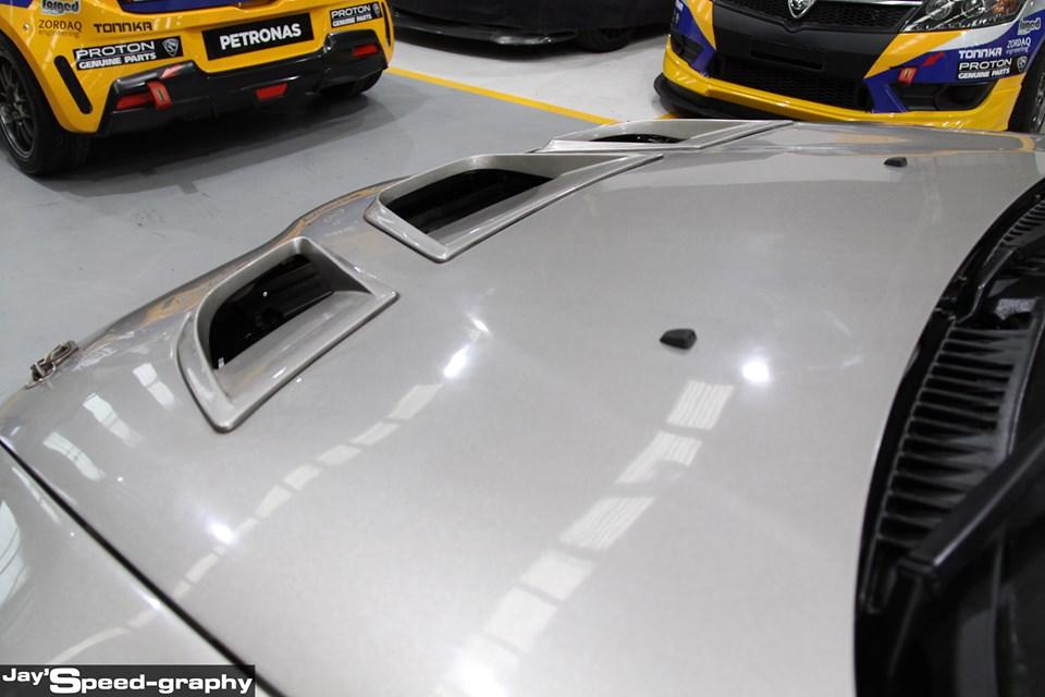 Proton Putra WRC - hud depan