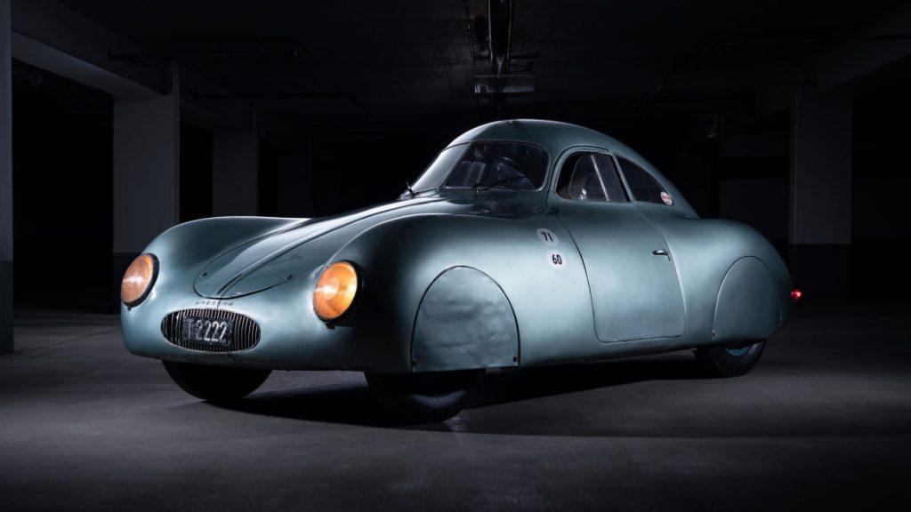 pandangan sisi 1939 Porsche Type 64
