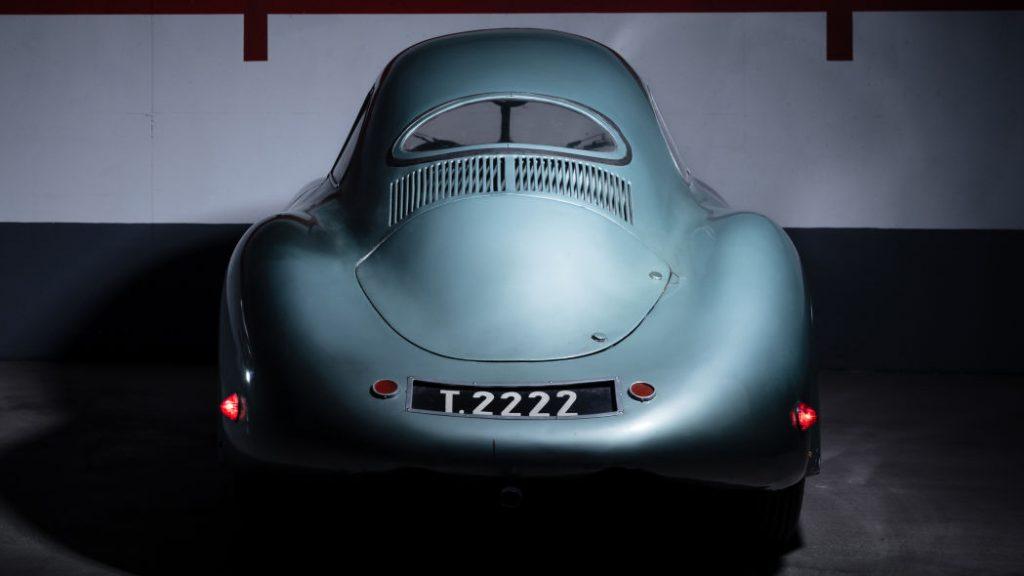 pandangan belakang 1939 Porsche Type 64