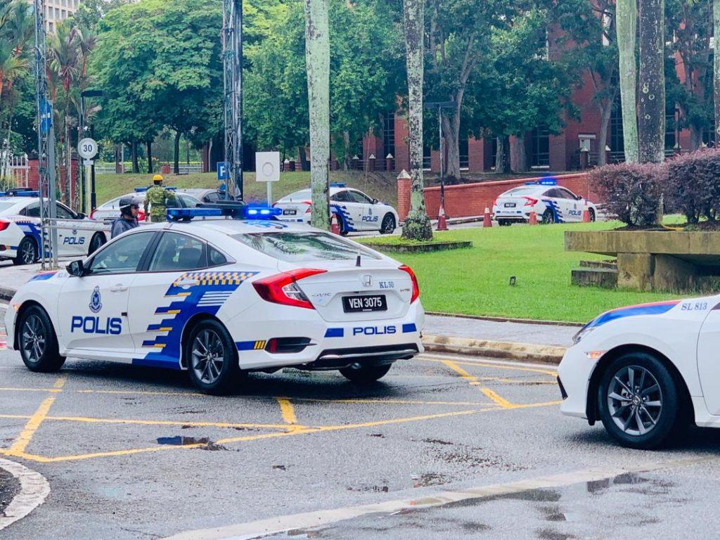 kereta peronda polis