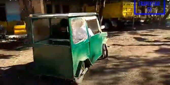 kereta elektrik indonesia