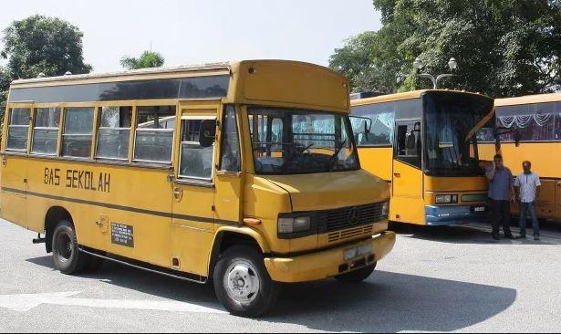 bantuan pemandu bas sekolah