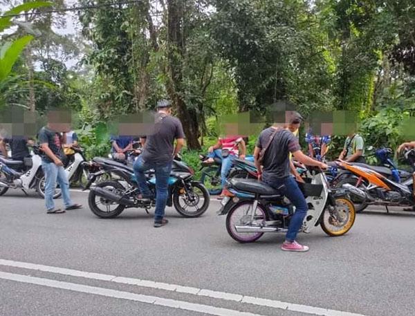 tolak motosikal