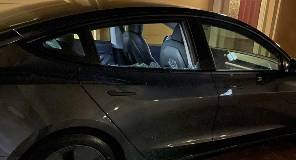 tingkap Tesla Model 3